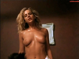 ����� ����� ����  - Julie Benz Nude
