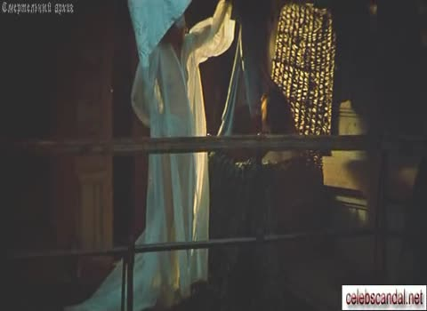 Алла Осипенко в прозрачном платье.