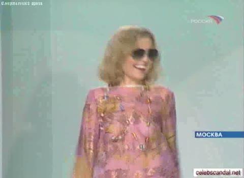Анжелика Варум в прозрачном платье
