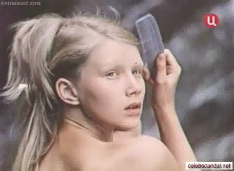 Дарья Михайлова в Похищение Савойи обнаженная на водопаде.