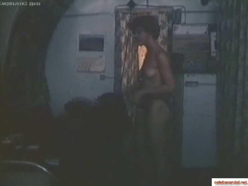 голая Татьяна Догилева, сцена из фильма