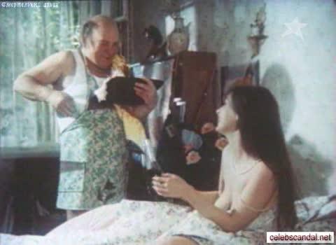 Екатерина Стриженова Оголенная грудь в