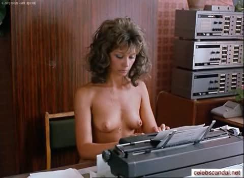 Елена Аржаник играет голую секретаршу в фильме