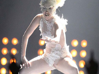 Шокирующие снимки Леди Гага