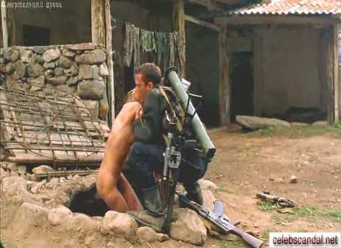 Ингеборга Дапкунайте измученная и грязная пленница.
