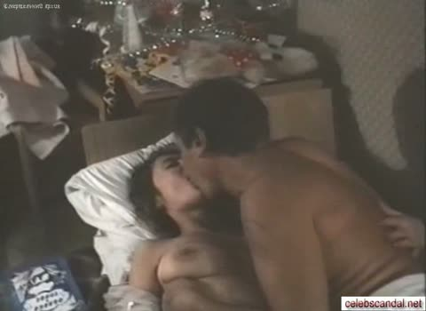 Лариса Удовиченко секс сцена из фильма.