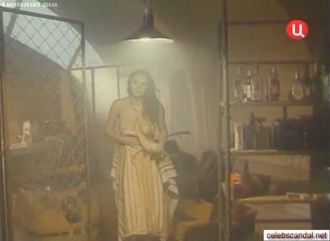 Марина Могилевская голая прямо из ванны.