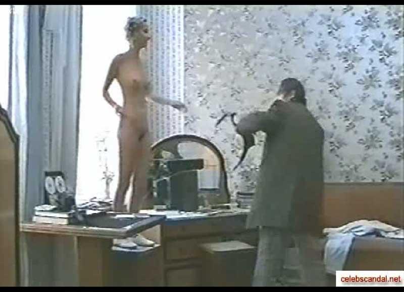 Мария Зорина сняла всю одежду и трусы!