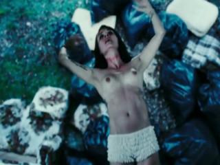 Обнаженная Мэделин Стоу убегает от санты (Madeleine Stowe nudity)