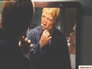 Александра Тюфтей топлесс в фильма Муха