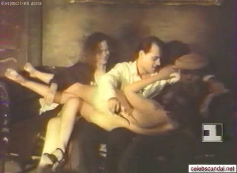 Нийоле Нармонтайте - две проститутки.