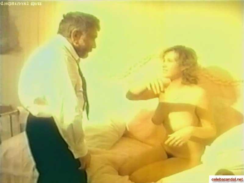 Ирина Розанова и ее бюст