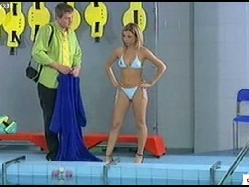 видео Дарьи Сагаловой в купальнике